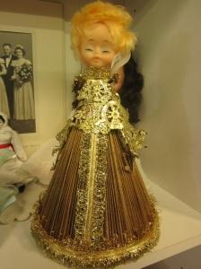 golden-folded-magazine-angel
