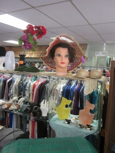 Mannequin-Head Lady