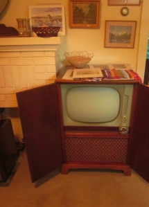 Westinghouse cabinet tv