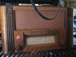 Cool old radio