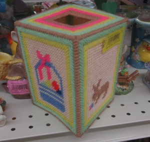 Plastic canvas Tissue holder2