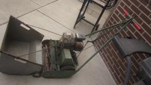Powered Lawn Mower2