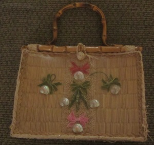 Straw purse and shells
