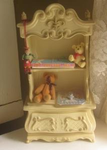 Suzy Goose like cupboard