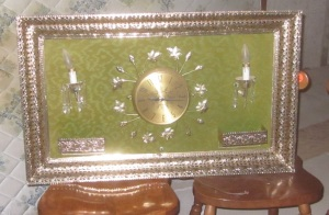 HIdeous clock and wall decor2