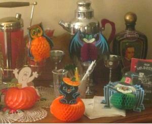 Beistle Co 1980 halloween-honecomb-decorations
