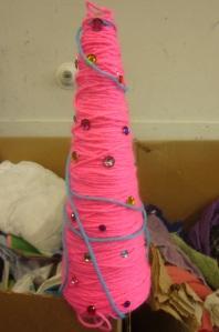 pink-yarn-christmas-tree
