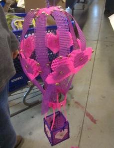 plastic-canvas-heart-balloon